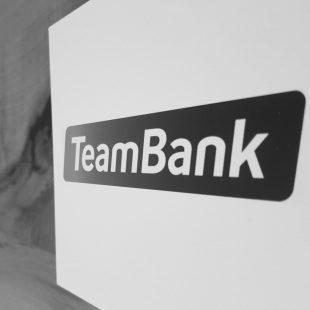 Abfotografiertes Logo TeamBank schwarzweiß