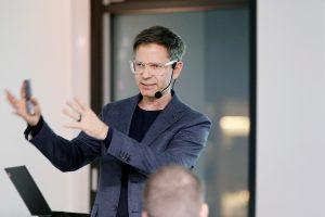 Vortrag von Mathias Haas während der ersten ECON Customer Conference 2019